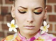 Pokaz - Trendy w makijażu. Lato 2009 - prowadzony przez Agnieszkę Chełmońską, Salon Uroda 2009