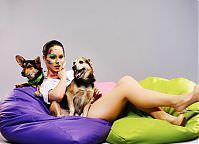 Make-up: Paula Nowak, Modele: Kinga Korszla, Bubu (adoptowany) i Topik (do adopcji - Fundacja Bezdomniaki), Fot.: Piotr Pazdyka