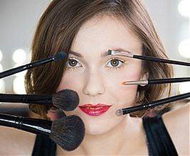 SWiCh w 60 sekund - Hologramowe usta. Makeup: Kaja Jałoza, Fot.: Anita Kot