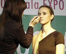Pokaz makijażu wieczorowego - Salon Wiosna 2009